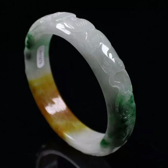 Jewelry - 62mm Chinese natural Hand-carved Multi-color
